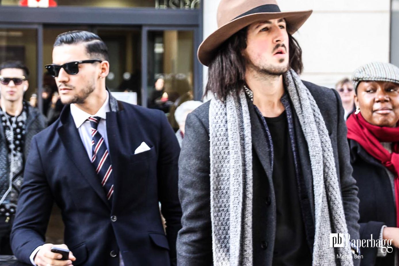Messieurs, voici comment porter votre écharpe!