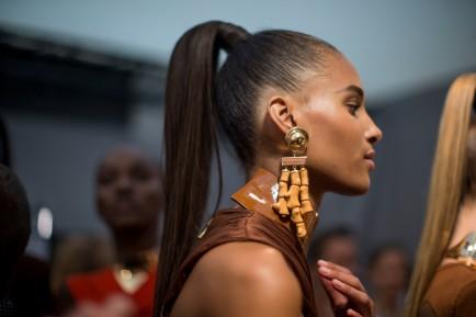 Tendance coiffure 5 façons de porter la queue de cheval cover Balmain backstage