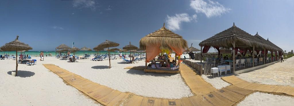 Carnet de voyage  5 activités Must Try en Tunisie Plage