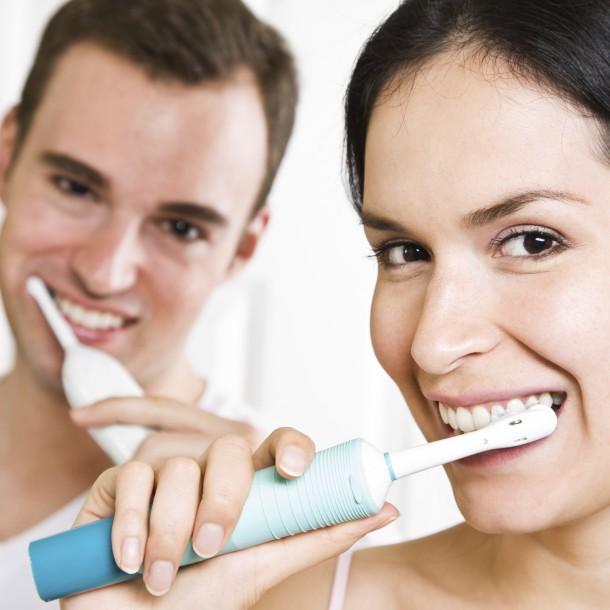 Blanchiment naturel des dents, les astuces de la rédac' cover