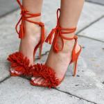 Tendances Quelles sandales pour cet été pompons et franges (3)