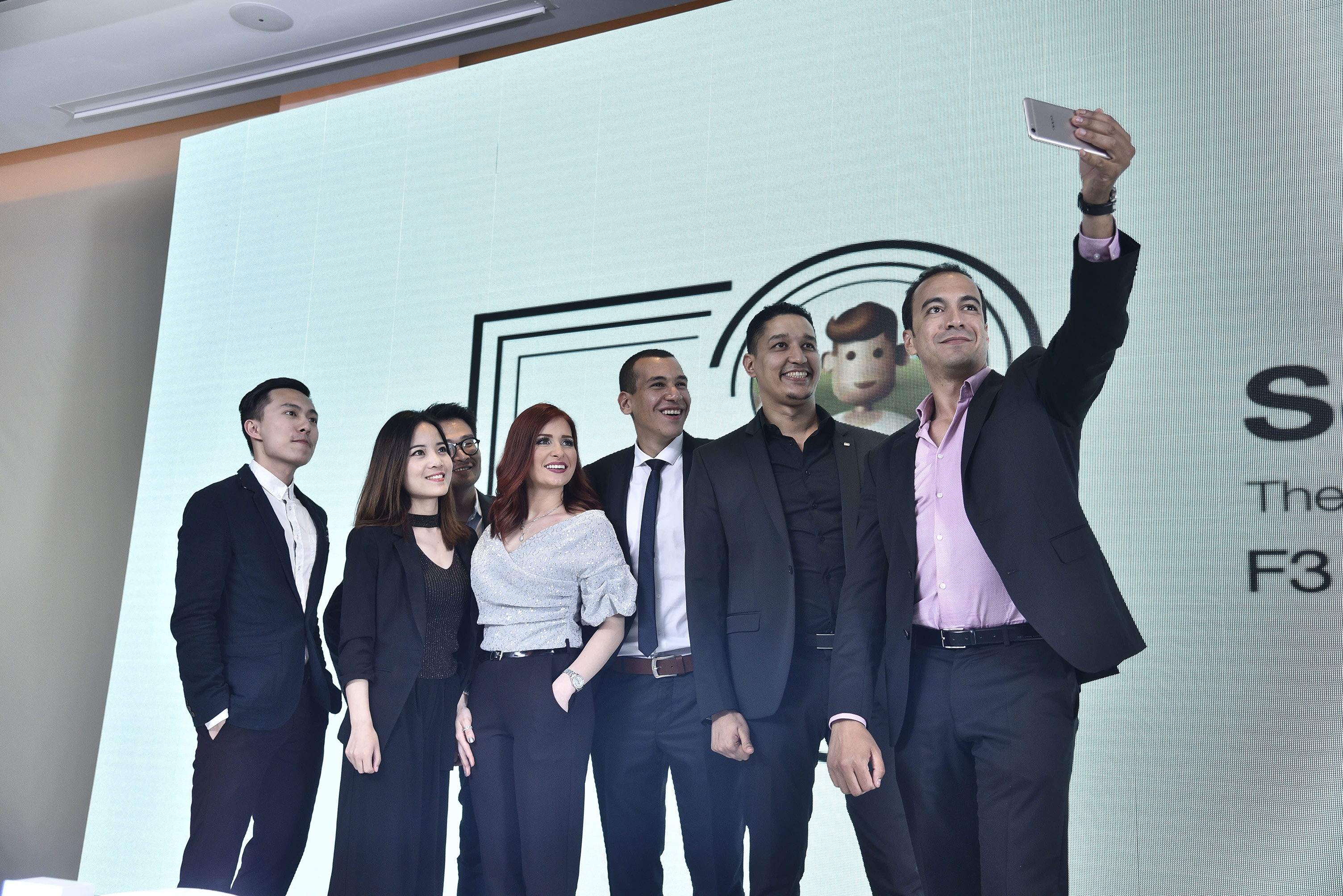 OPPO lance le F3 Plus Double Selfie Caméra en Algérie