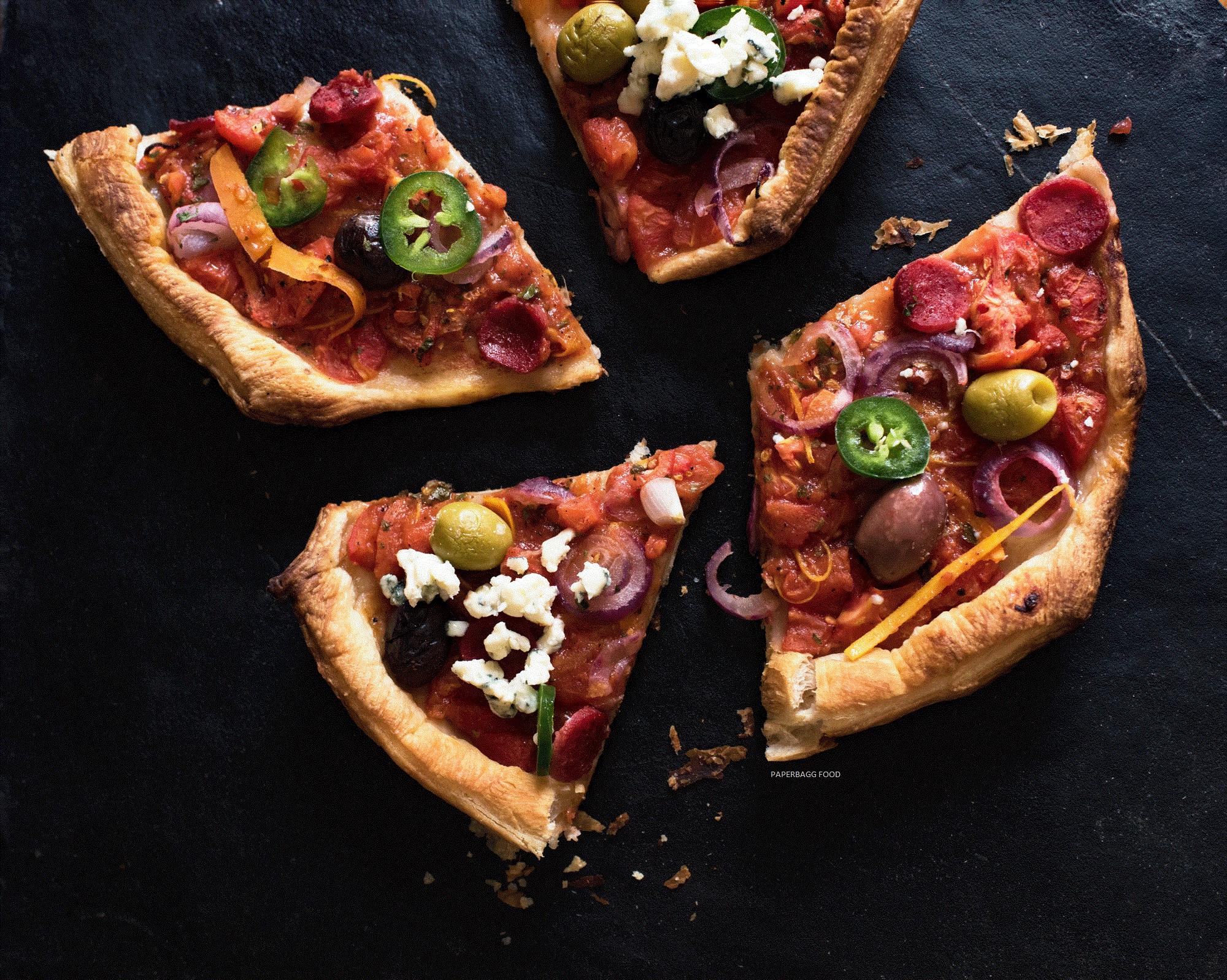 Pizza à la sauce tomates et carottes